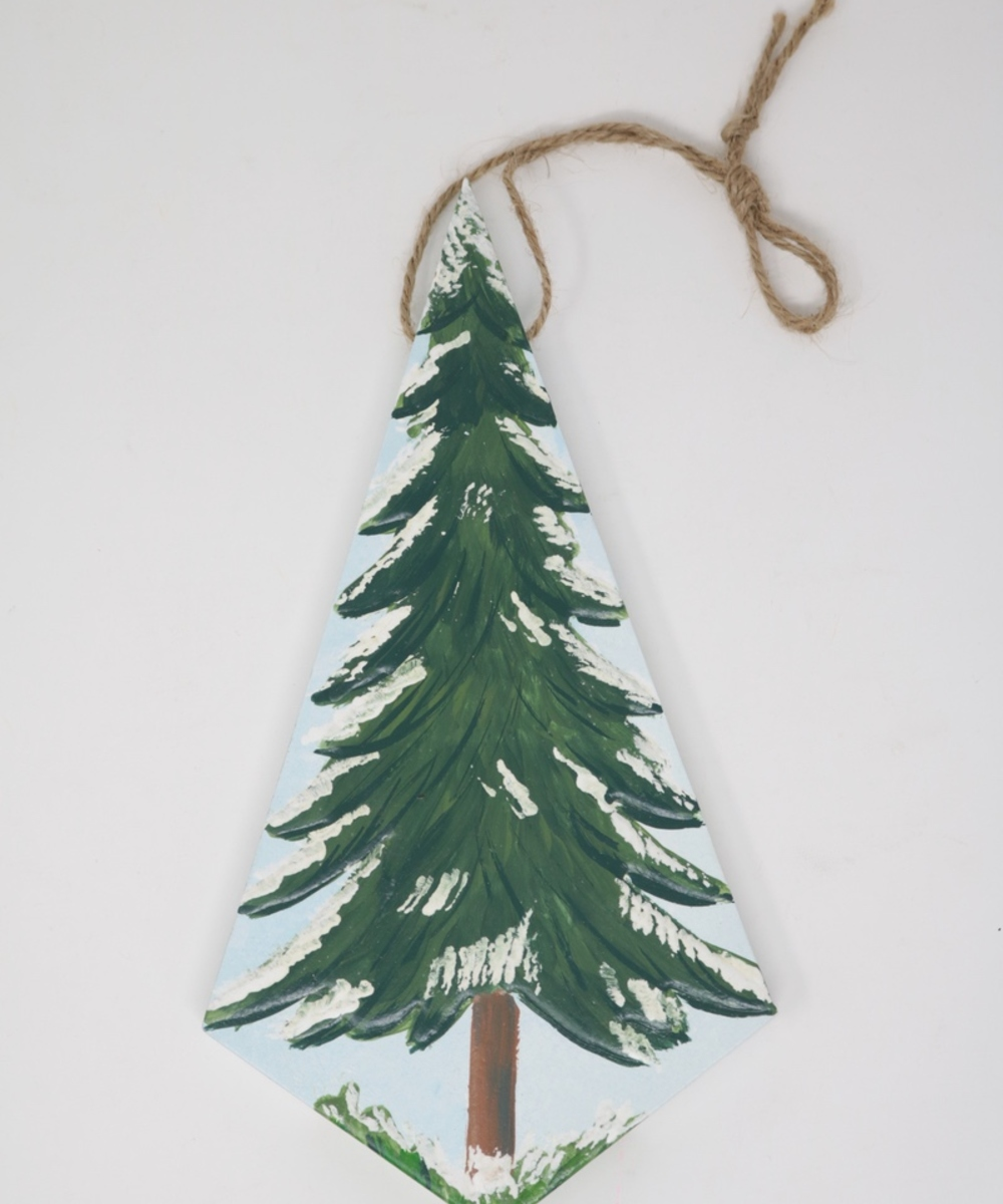 Traditional Christmas Tree Wall Hanging