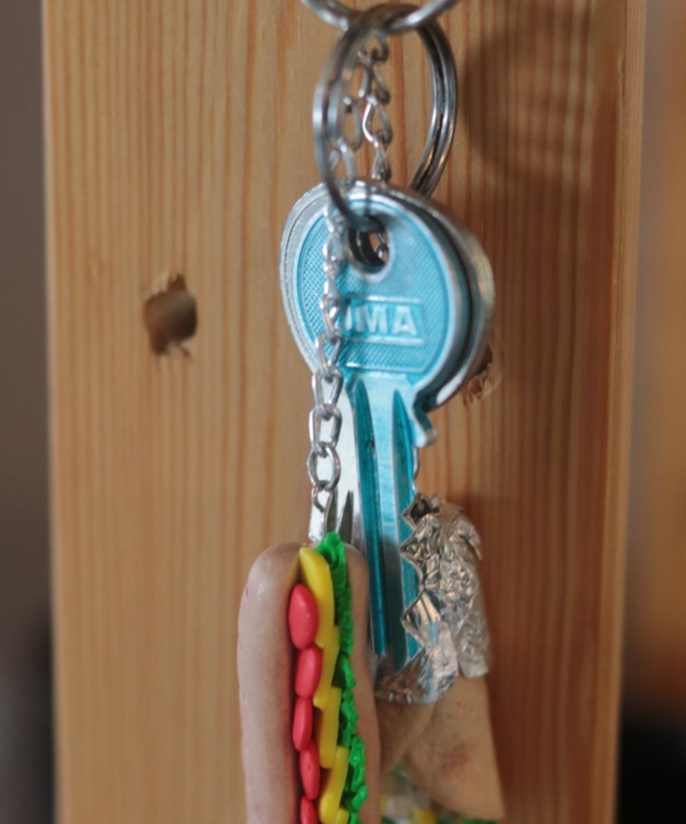 سلسة مفاتيح - ساندويش