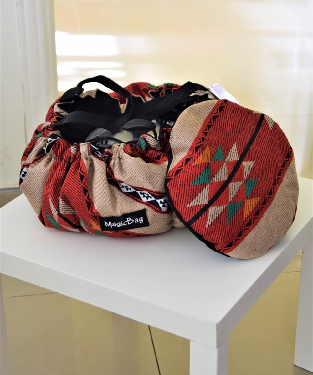 Cooking Bag in Green and Red Bedouin Patterns, Medium