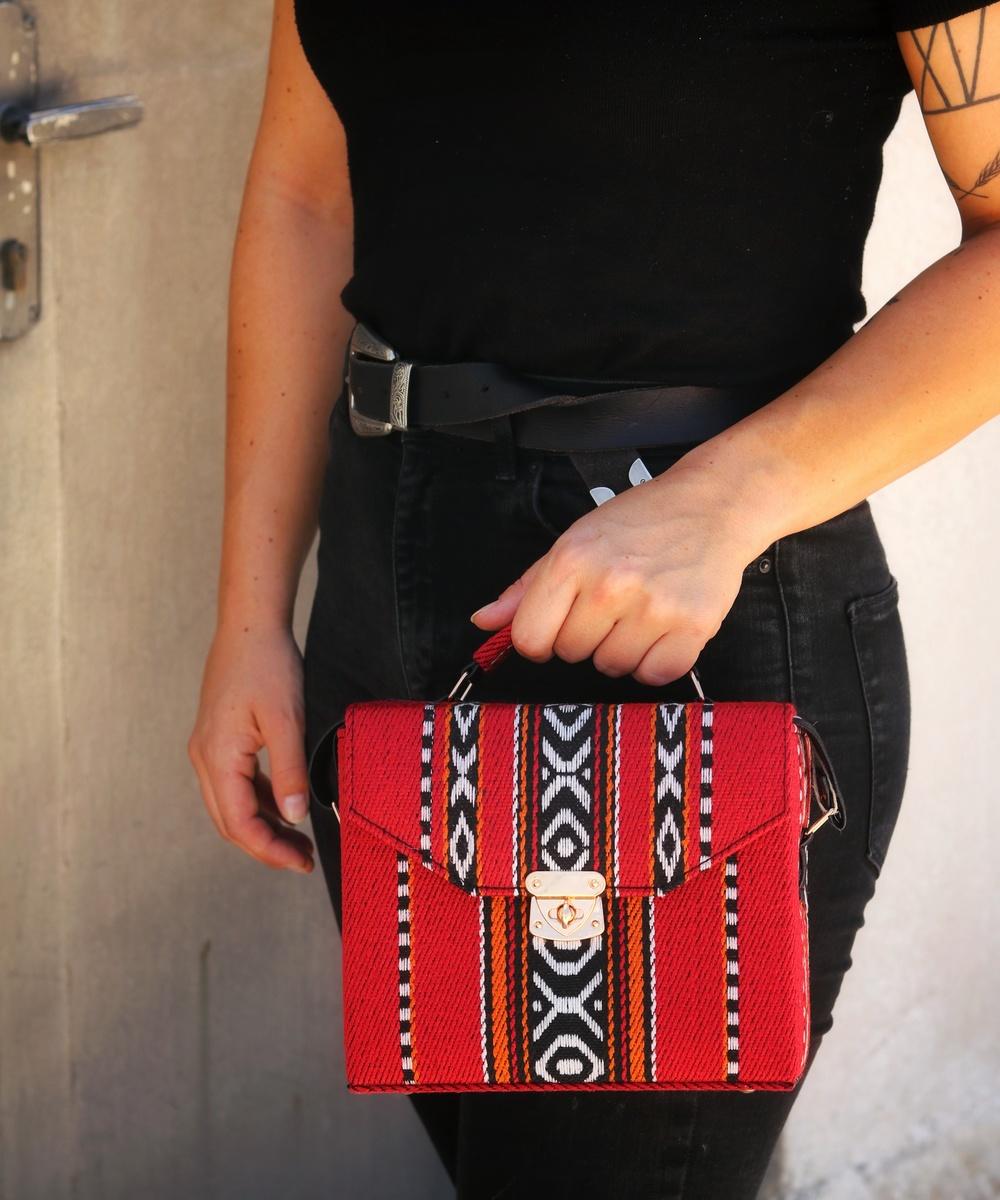 Bedouin Box Bag in Red
