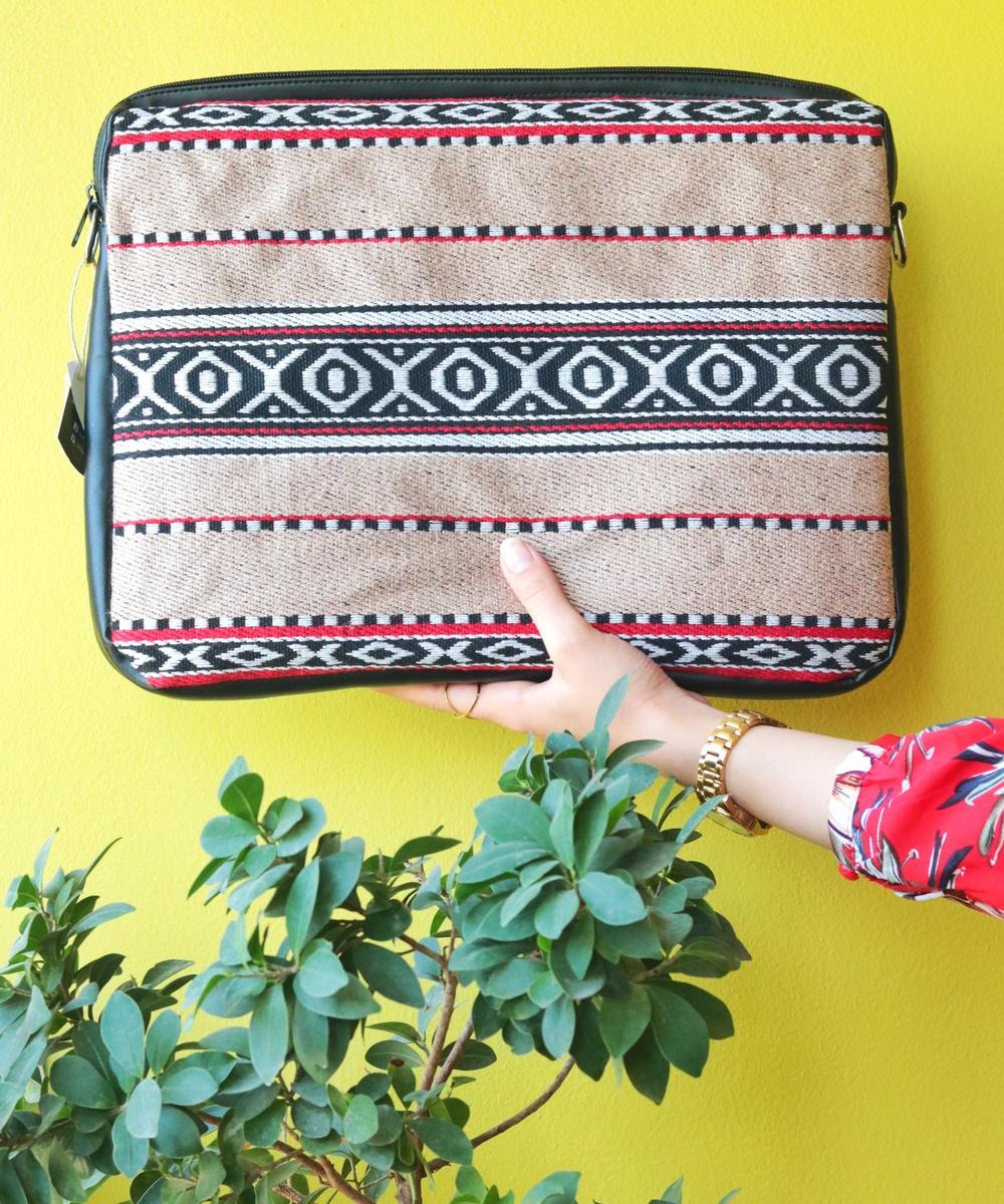 Bedouin Laptop Case in Tan