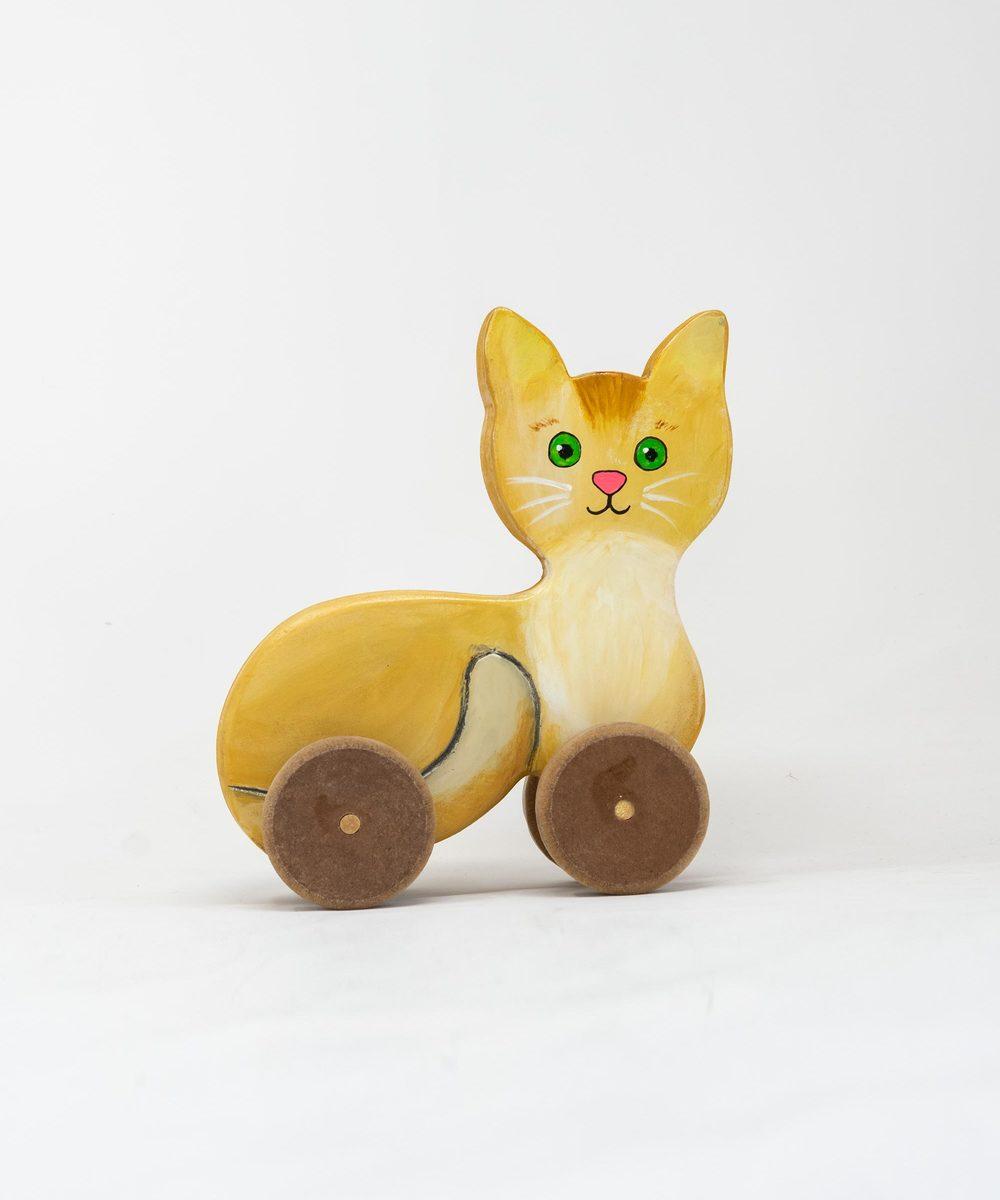 قطة خشبية