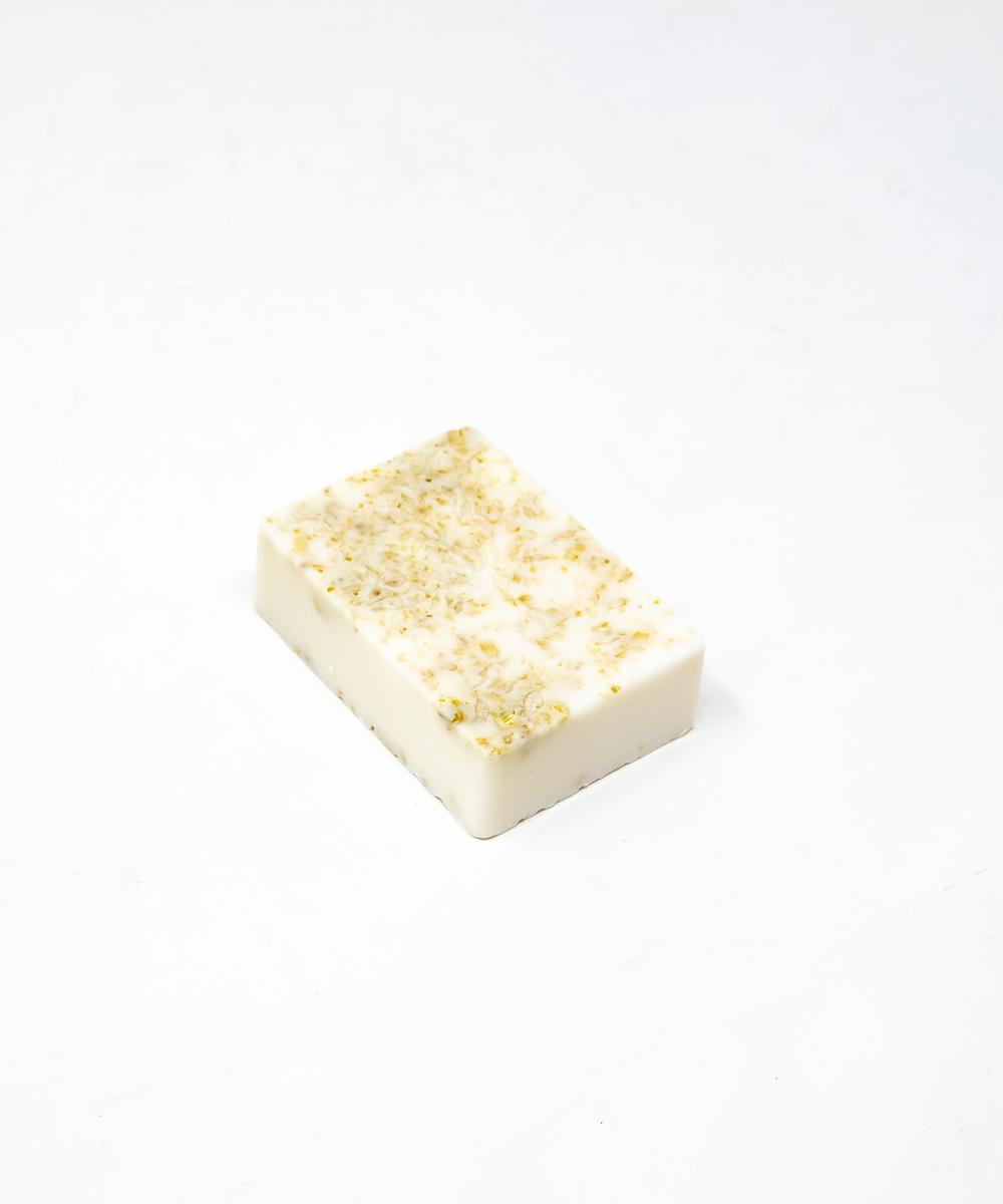 صابون الجلسرين الأبيض مع الشوفان والعسل