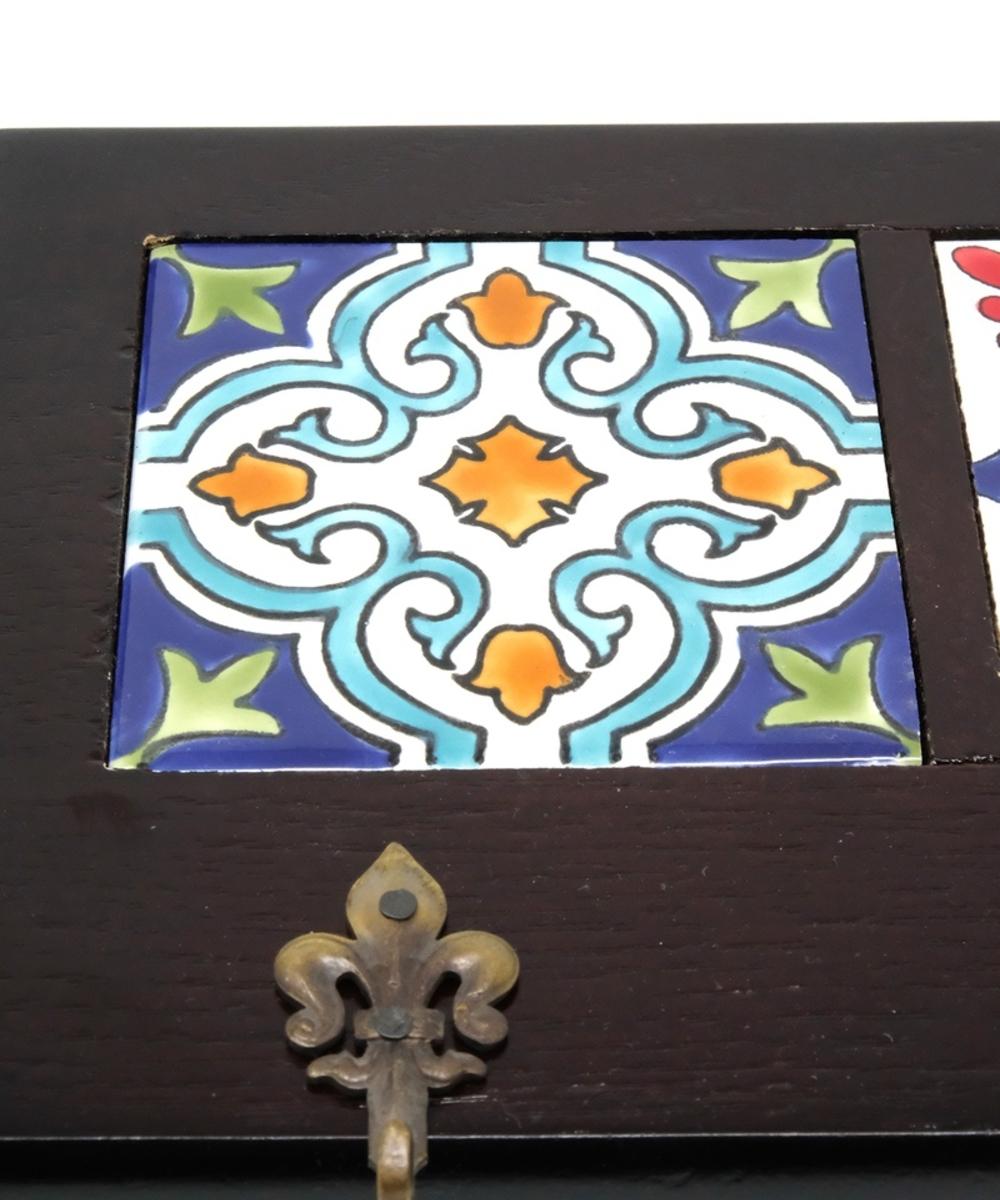 Decorative Key Hanger with Handpainted Ceramics (Dark Wood)