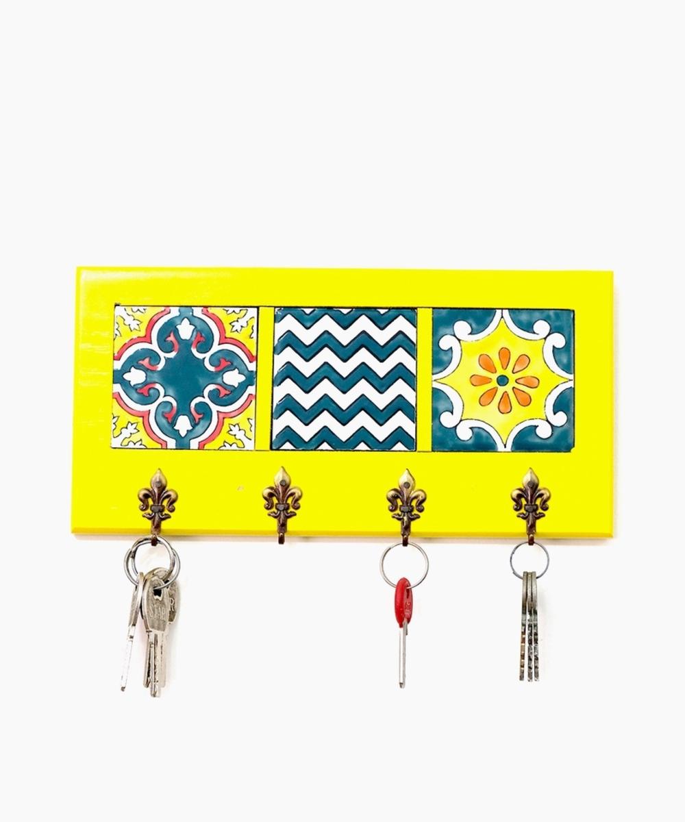 علاقة مفاتيح جدارية (أصفر)