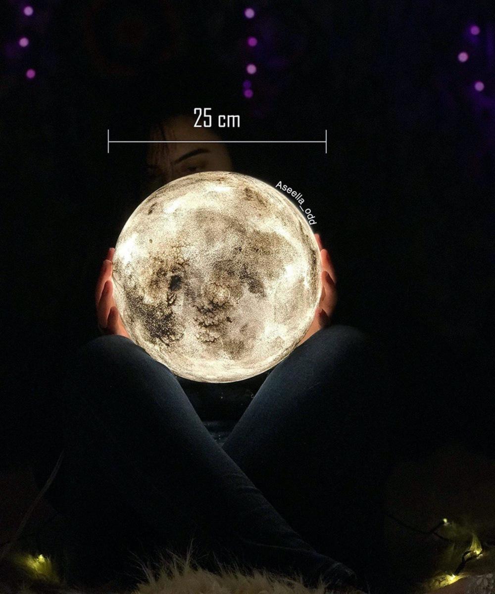 Full Moon side lamp - Medium (White)