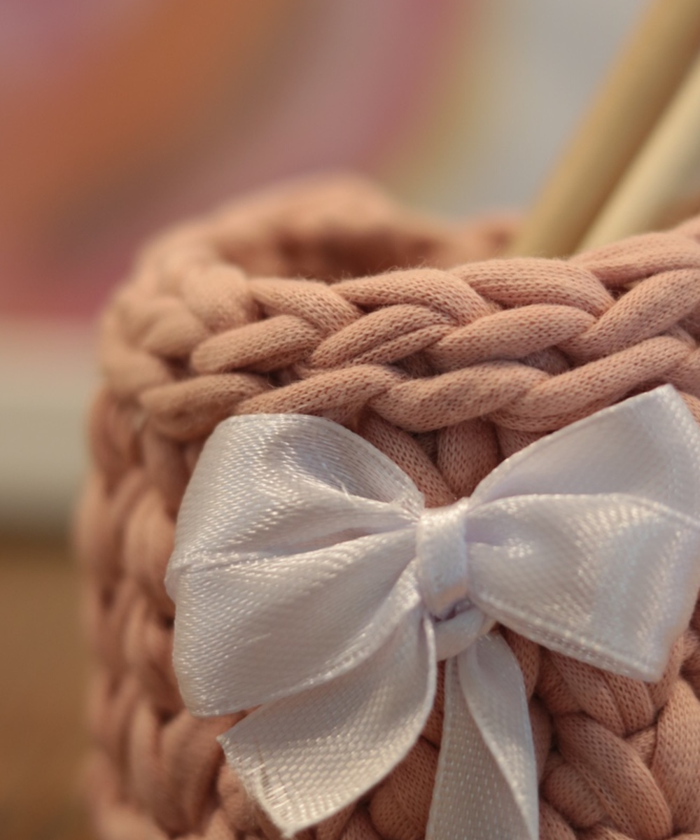Small Pink Knitted Pen Holder