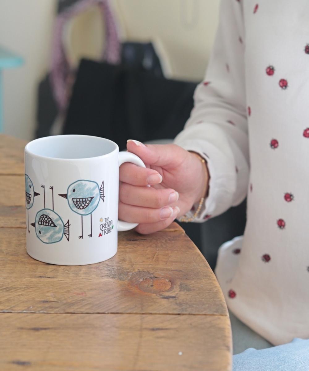 كوب قهوة و شاي بتصميم طيور