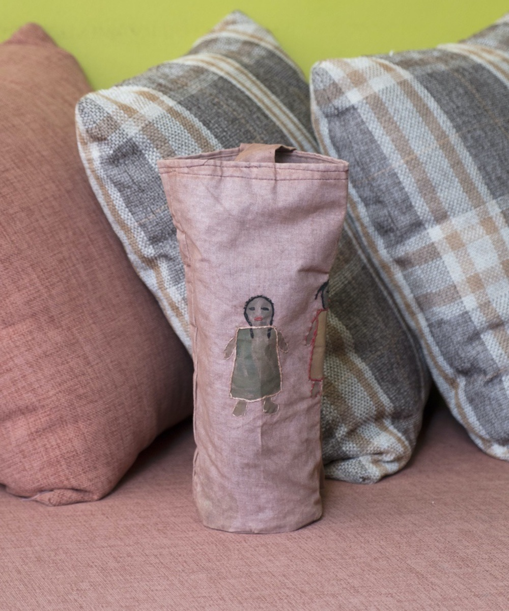 Water Bottle Cloth Holder with People Design (Pink)