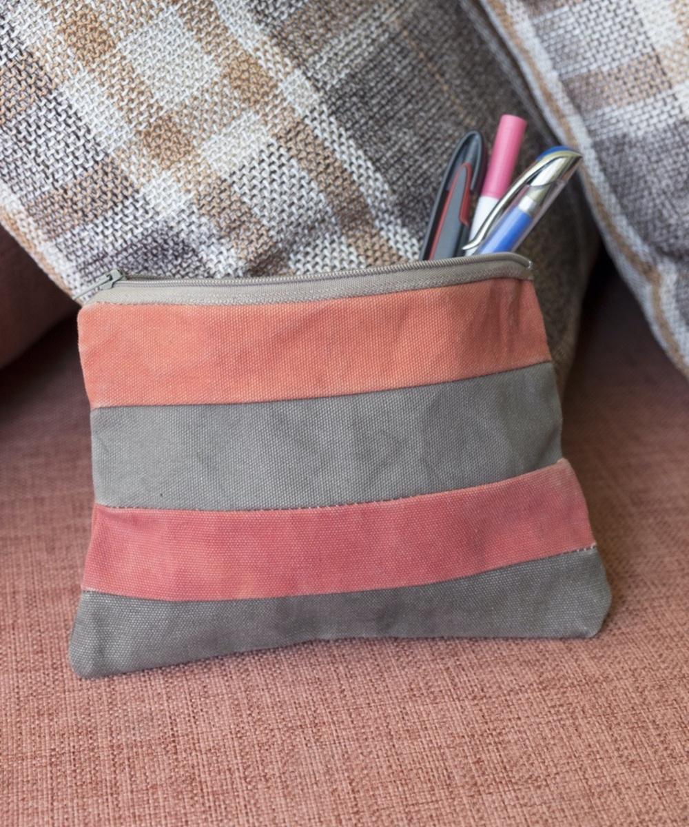 حقيبة أدوات تجميل (أحمر وبيج)