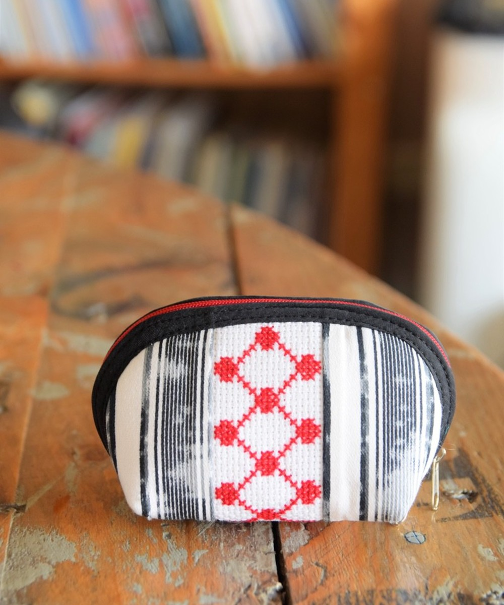 Embroidered Coin Purse: Black, White, and Red