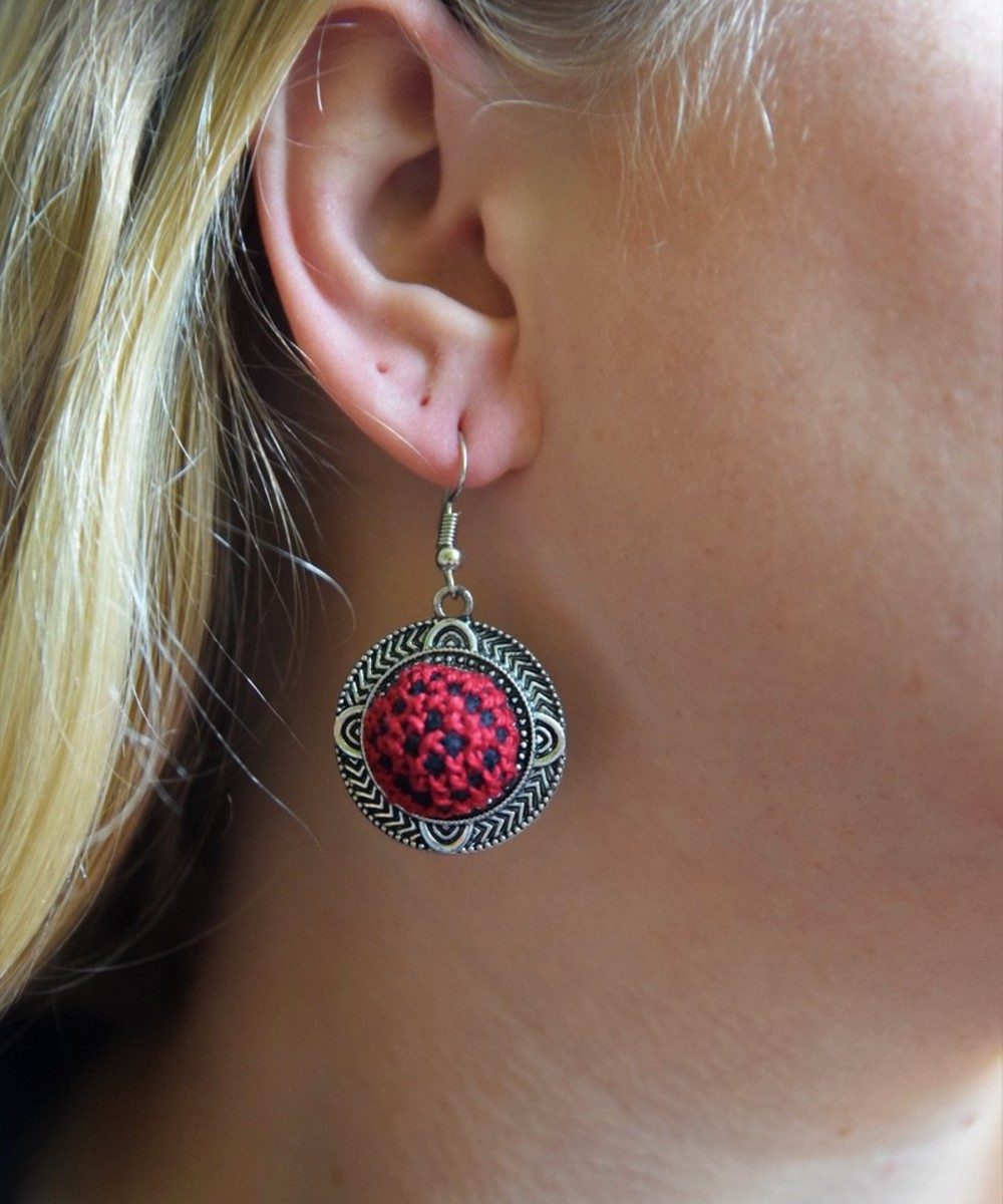 Embroidered Circular Earrings: Red and Black