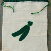 Vegetable bag with Cucumber Accent