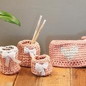حقيبة اقلام بتصميم قلب (زهري ورمادي)