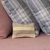حقيبة أدوات تجميل (أصفر وبني)