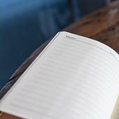 دفتر متوسط  زهري - مطرز بالأحمر والأسود