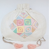 White Embroidered Coin Purse