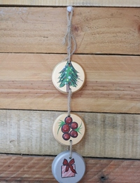 Three-Tier Christmas Wall Hanging: Dark