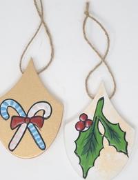 ديكورات شجرة الميلاد