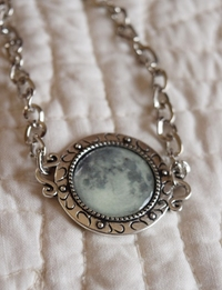 Glow in the Dark Full Moon Bracelet