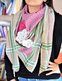 Keffiyeh - Fuchsia and Green with Crochet Flowers