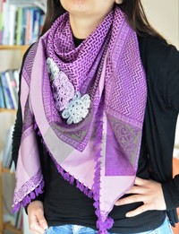 Keffiyeh - Purple with Crochet Flowers