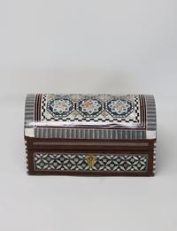 صندوق مجوهرات خشبي كبير