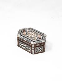 صندوق خشبي سداسي الشكل - صغير الحجم