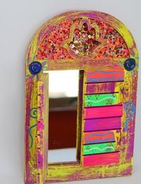 مرآة على شكل شباك -  بنفسجي