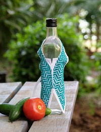Patterned Bottle Shawl (Green)