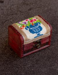 Embroidered Wooden Box - Flower Vase