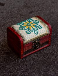 Embroidered Wooden Box - Octal Star Shape