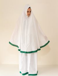 Prayer Clothes Set in Green