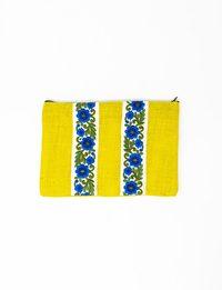 شنتة قماش أصفر بزخارف زرقاء