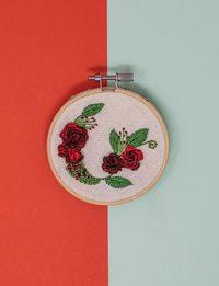 مغناطيس عرق الورد المطرز