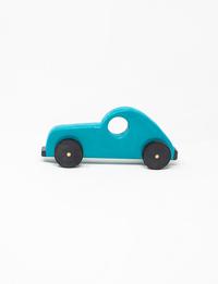 سيارة خشبية زرقاء
