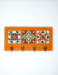 Decorative Key Hanger with Handpainted Ceramics (Orange)