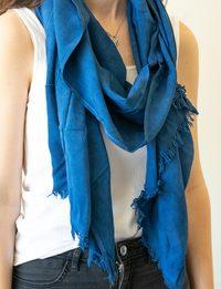 شال - الأزرق