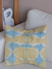 Hand dyed pillow (Yellow & Blue)
