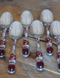 Beaded Spoon Set (Red)