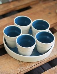 أكواب شاي وقهوة مع صينية  (أبيض وأزرق)