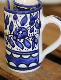 مجموعة من 6 فناجين قهوة و حافظة زخارف نباتية - أزرق و أبيض