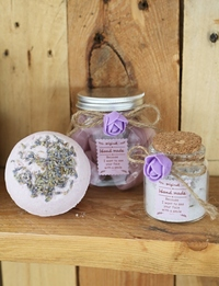 Bathtime Gift Set in Purple