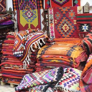 Gallery and Bazar Essa Ahmad Farrah